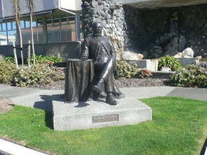 Statute of John Ballance, Whanganui. As Native Minister 1882-1884, Ballance did little to arrest the rapid loss of Māori land.