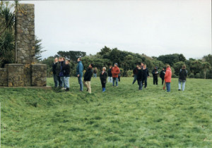 Massey University students visit the site of the Tuturumokai Redoubt, Hawera, 2004.
