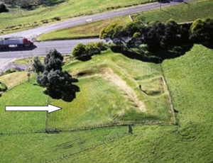 Rangiriri battle site today. The British attacked from the left of the photograph. The original Pā extended far to the east, over the road and out of the picture; the road (Highway 1) was constructed through the Pā, after the battle (as was often the custom in those days).